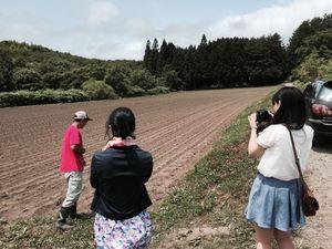 雑穀農園視察1.jpg