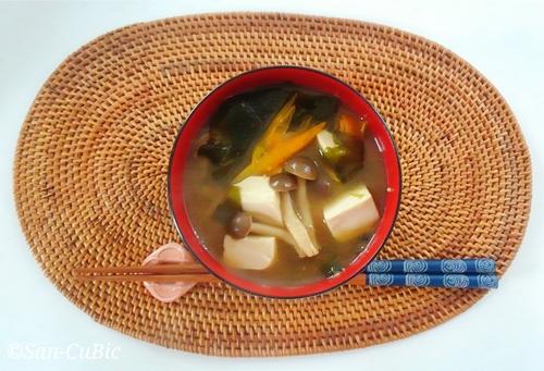 薬膳味噌汁金針菜.jpg